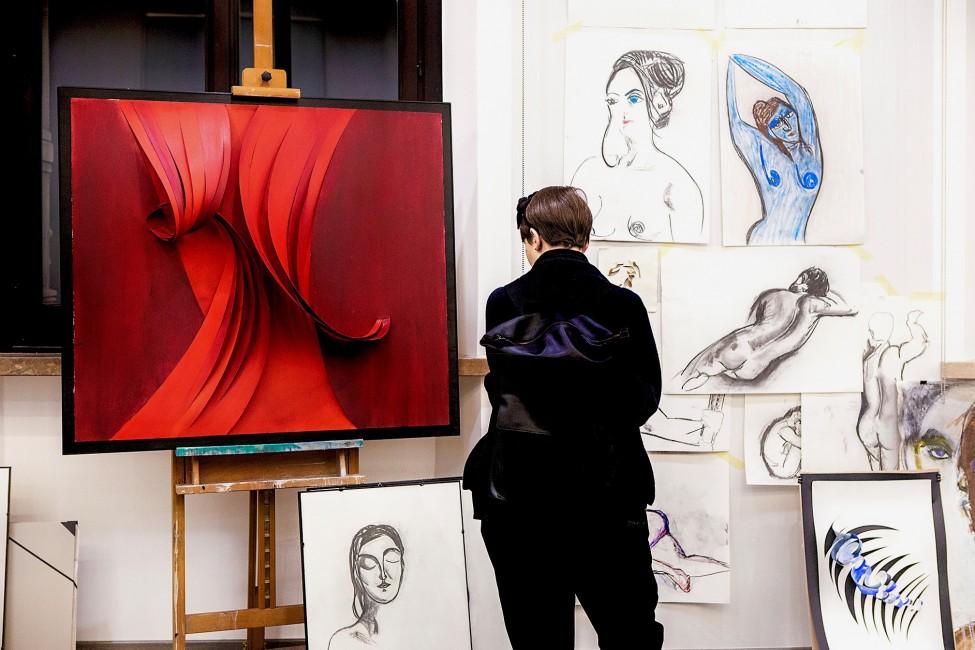 banca_generali_private_event_exhibition_beatrice_zagato_artwork_contemporaryart_paintings_padua_backdrops_fashon_art_canvas_texture_patterns_colors_drawings_life_model_skatches_figurative_art_abstract_